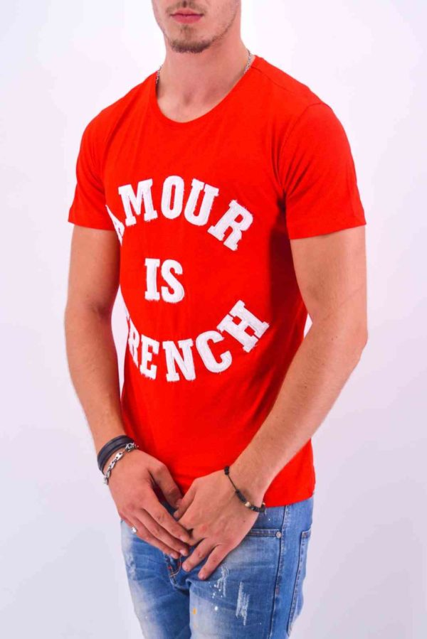 """TEE-SHIRT """"AMOUR IS FRENCH"""" ROUGE HOMME - Mode Urbaine AD-18 R"""